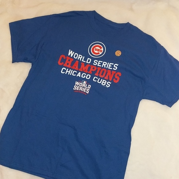 a01594085a0 Official Chicago Cubs World Series champs t-shirt.  M 5ab61b6b9cc7ef0aa4c4d96c